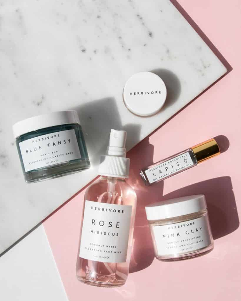2021 Skinimalism Beauty Trend – How to Maintain Skin Health with Minimal Products